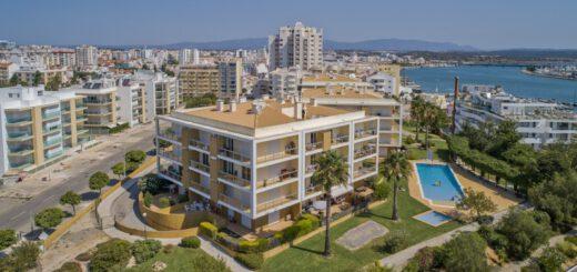 Der Apartmentkomplex in Portimão.